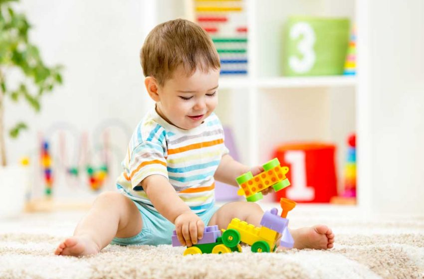 بهترین اسباببازی برای کودکان هفت تا دوازده ماه